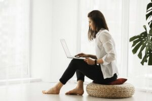 woman researching digital health trends